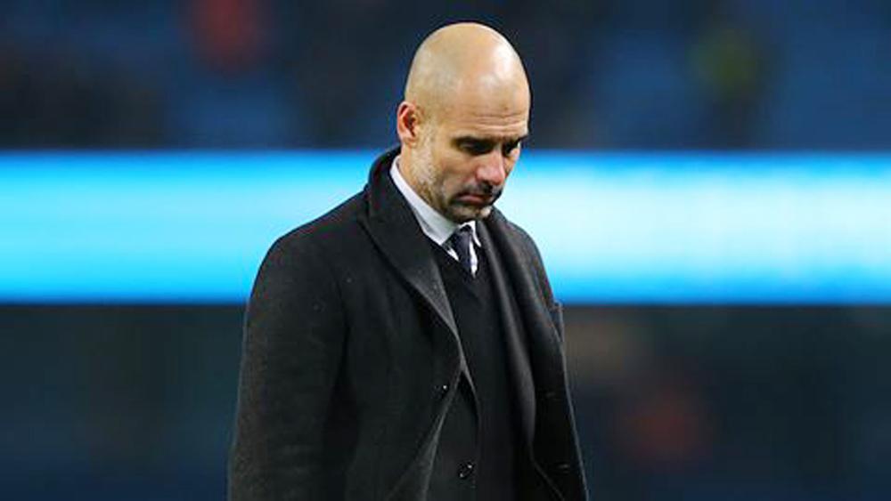 Vừa vô địch, Man City đã phải đối mặt với tin rất xấu